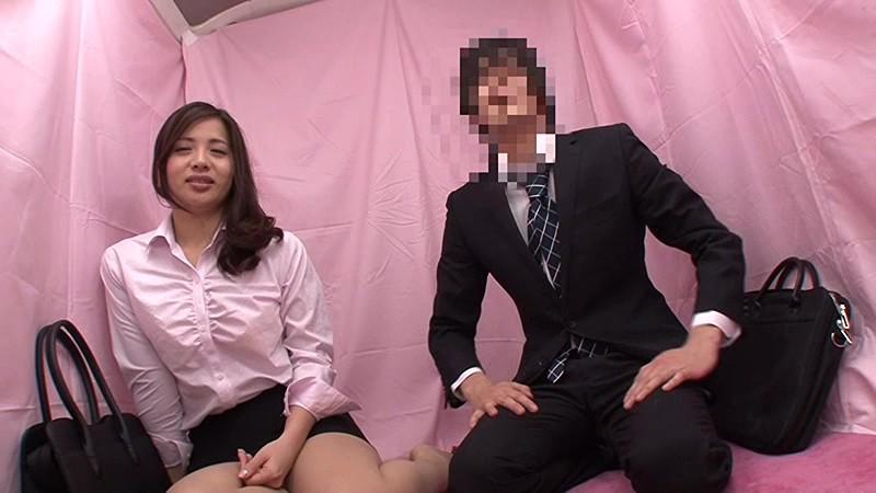 【素人 素股】巨乳でムチムチでミニスカの素人同僚の、素股プレイ動画!!いい乳してます!