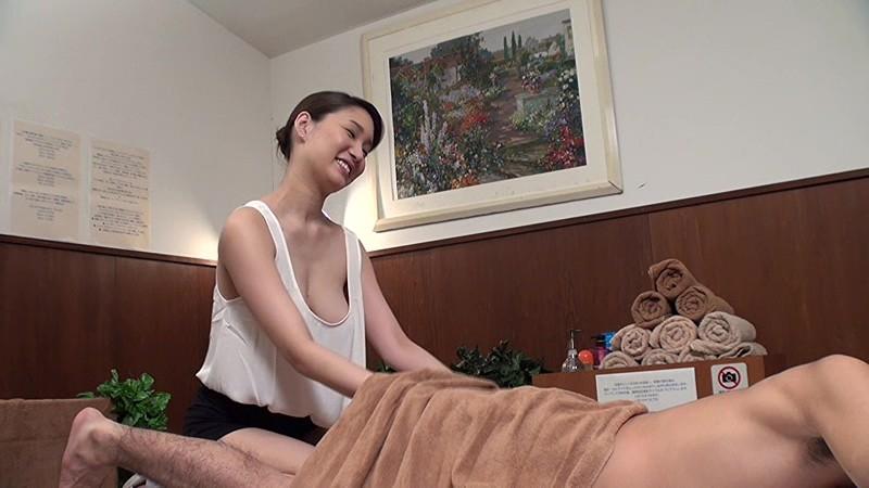 【おっぱい】ノーブラで巨乳の痴女お姉さんの、sex胸チラエステ無料H動画!【マッサージ動画】
