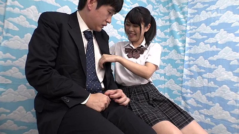 【女子校生 膣内射精中出し】制服姿の女子校生素人の、膣内射精中出し素股プレイエロ動画!