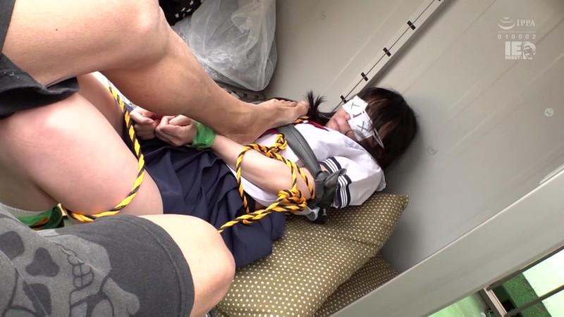 監禁 拘束した少女を人形のように弄ぶ変質者の異常性癖 富田優衣 3枚目