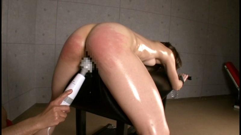 スパンキング・ビンタでイキまくる筋肉妻 画像15