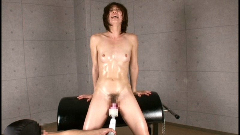 スパンキング・ビンタでイキまくる筋肉妻 画像17