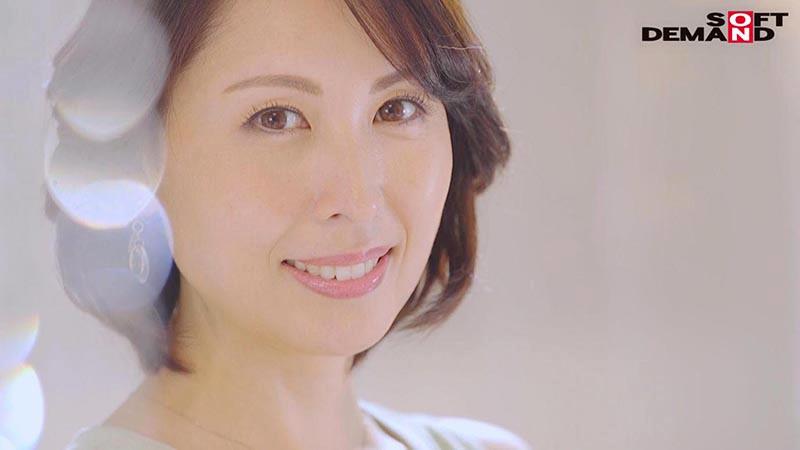 「美」と「聡明さ」を兼ね備えた現役美容家 41歳 佐田茉莉子 AV DEBUT 4