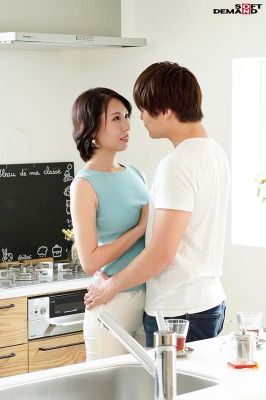 「美」と「聡明さ」を兼ね備えた現役美容家 41歳 佐田茉莉子 AV DEBUT 画像7