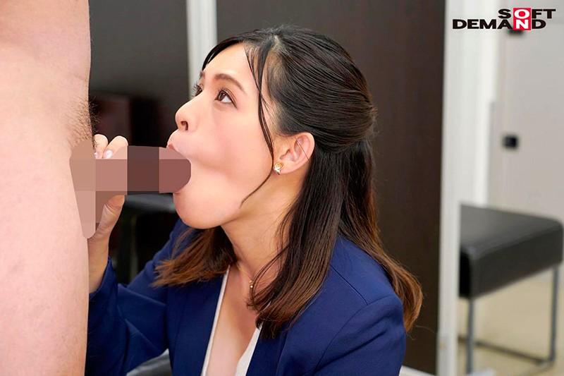 「会議中も商談中もエッチのことで頭いっぱいでした」オフィスで綺麗OLが自ら性欲をさらけ出す誘惑セックス 来栖すみれ12