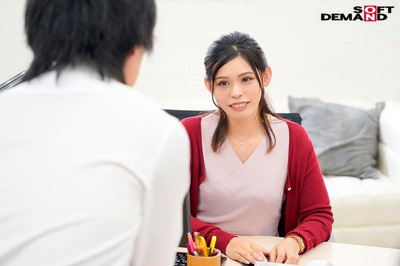 「会議中も商談中もエッチのことで頭いっぱいでした」オフィスで綺麗OLが自ら性欲をさらけ出す誘惑セックス 来栖すみれ5