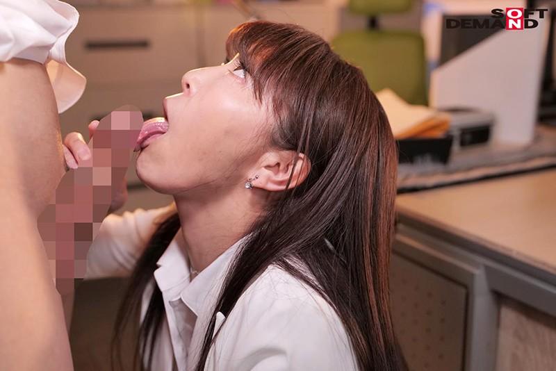 真昼間から若い部下のチ○ポをしゃぶって、発情して濡れる女社長。旦那とセックスレスの人妻46歳。男子社員に淫乱な唇を使って不倫SEXにハマる…!成咲優美6