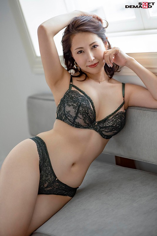 本物元超高級風俗嬢 リアル経験者の凄腕テクニック 佐田茉莉子のサンプル画像1