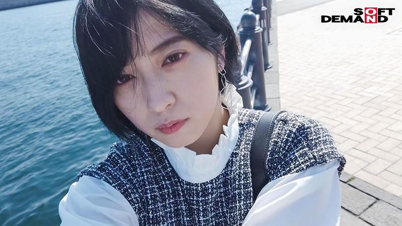 人となじめない、自分を出せない、ミステリアスな孤高のセンター 元アイドル AV debut 吉手るい 18枚目