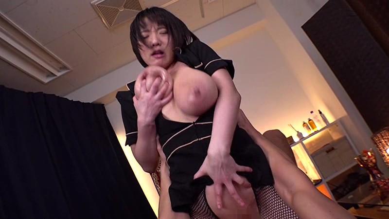 M男遊戯 ドSテティシャン おしっこをドバドバぶっかけるKカップ巨乳 澁谷果歩 18枚目