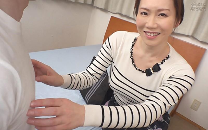 常に乳首をイジイジレロレロしてくれるデリヘル嬢 シンさん(39) Hカップ93cm SHIN