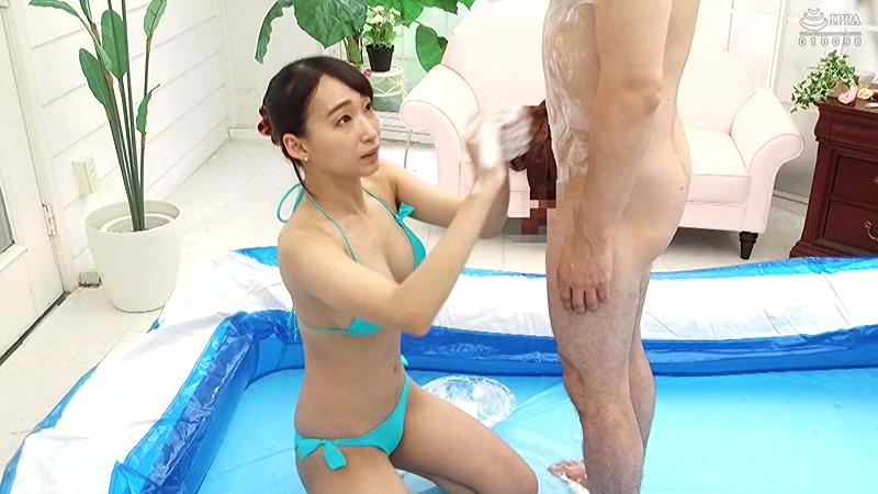 蓮実クレアが騎乗位スタイルでサービスしてくれる泡洗体マッサージ 3枚目