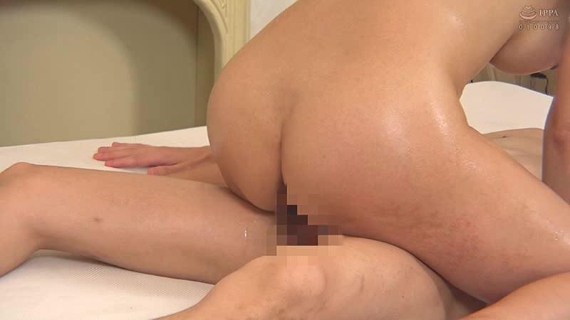 「小早川怜子」が騎乗位スタイルでサービスしてくれる泡洗体マッサージ 19枚目
