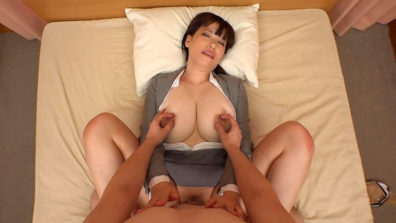 常に乳首をイジイジレロレロしてくれるデリヘル嬢6人240分!全員巨乳!平均バストサイズ98cm!