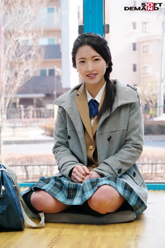 えりかちゃん(18)女子○生 マジックミラー号 膣内洗浄で段々気持ちよくなってしまい、チ○コもすんなり挿入させちゃいました。 キャプチャー画像 2枚目