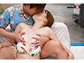 真夏のビキニ素人娘をおっぱいマッサージで火を付けてマジックミラー号でマジイ......thumbnai4