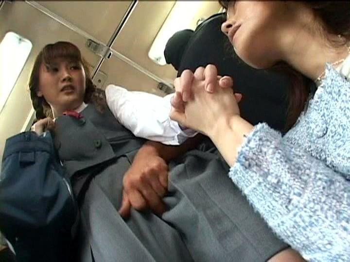 痴●されても拒めない手をつないだ母娘を感じさせろ!! 215