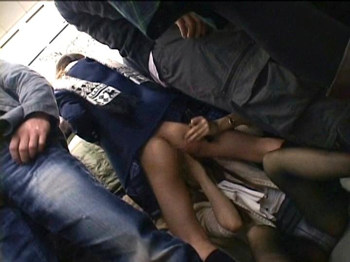 痴漢OK娘 レズスペシャル 2 満員電車に乗りあわせた極上女子校生をキスで興奮させろ4
