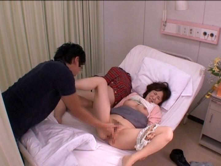 痴●される生徒を自分の体を身代わりにして守る女教師 5 サンプル画像 4