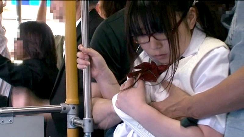 【エロ動画】巨乳で巨尻の女子校生JKの、アナル痴漢レイププレイエロ動画。