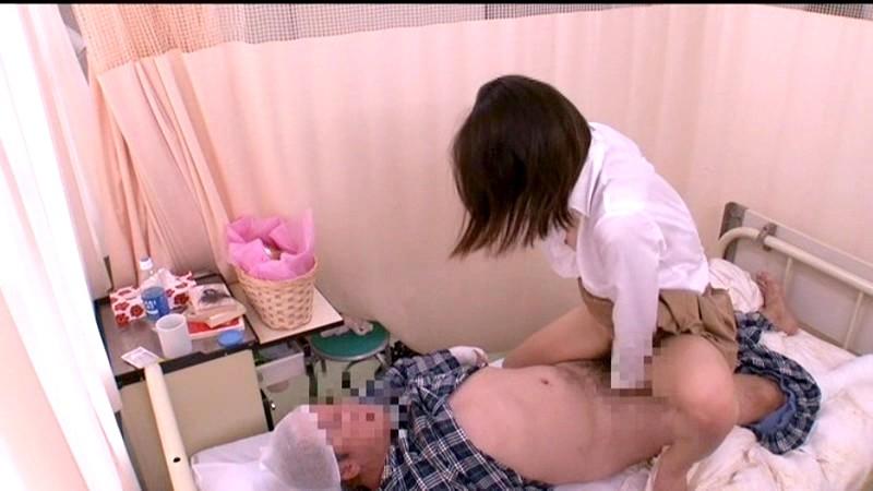 入院中の性処理を母親には頼めないからお見舞いに来た叔母にお願いしたら優しい騎乗位でこっそりぬいてくれた 画像10
