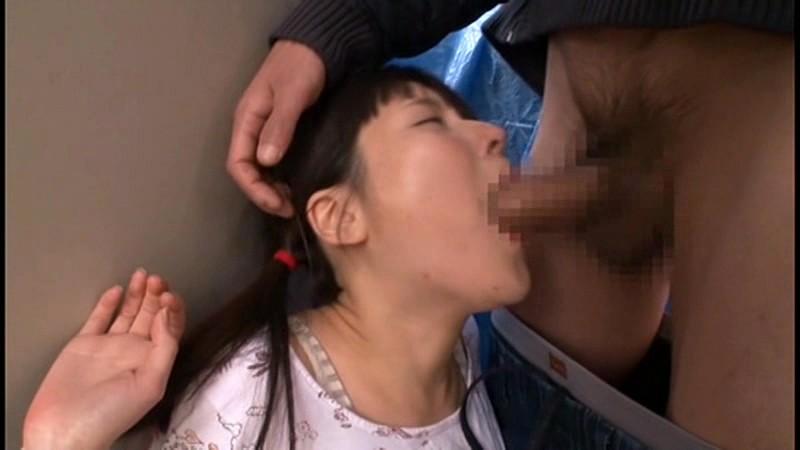 同じマンションに住む小さい女の子に媚薬を塗り込んだチ○ポで即イラマ。結果、ねば〜っと糸引くえずき汁まみれのイキ顔で淫乱化。|無料エロ画像6
