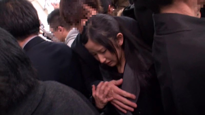 ナチュラルハイ15周年記念作品 痴●総決起集会 被害者15名 完全[中出し]スペシャル 画像1