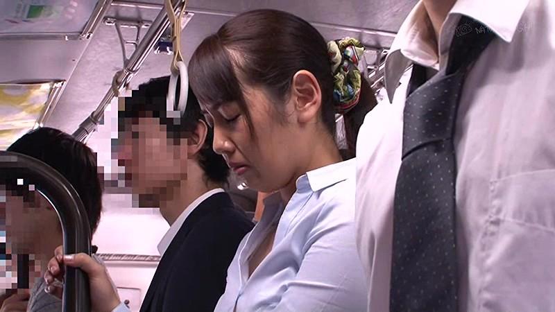 痴●師に無理やり挿れられたバイブが取れず痙攣イキしてしまうタイトスカートの女 2 画像2