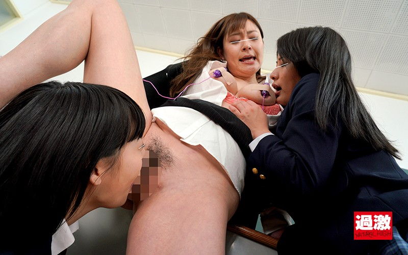 レズ生徒のW舐めで乳首奴●に堕とされる女教師