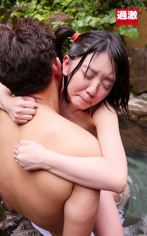 男湯で出会った痴女っこ 突然のベロちゅうと抱っこSEXで迫られ我慢できず何度も膣射|無料エロ画像5