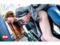 満員バスで背後から制服越しにねっとり乳揉み痴●され腰をクネらせ感じまくる巨乳女子○生10