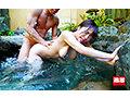 混浴温泉で乳首をしつこく刺激する乳吸い責めに欲情した女は湯しぶきが立つハードピストンの快感で中出しを拒めない6 総勢20人総集編付き2枚組 豪華版 画像3