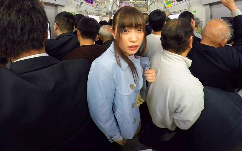 【エロVR】満員電車でスレンダー女子大生を痴漢!潮を撒き散らしてイキまくり!