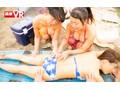 【VR】真夏のビーチで出会った日焼け巨乳娘3人と密着乱交中出...sample4