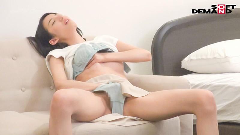 千葉県 木更津市在住 33歳 ふみこさん 夫とは、愛し合う毎日。 夫は、自分との愛を確かめるため私に憑依し、私のオーガズムを体験して、私の体を他の男たちに寝取らせた。 憑依NTR AVデビュー 画像4