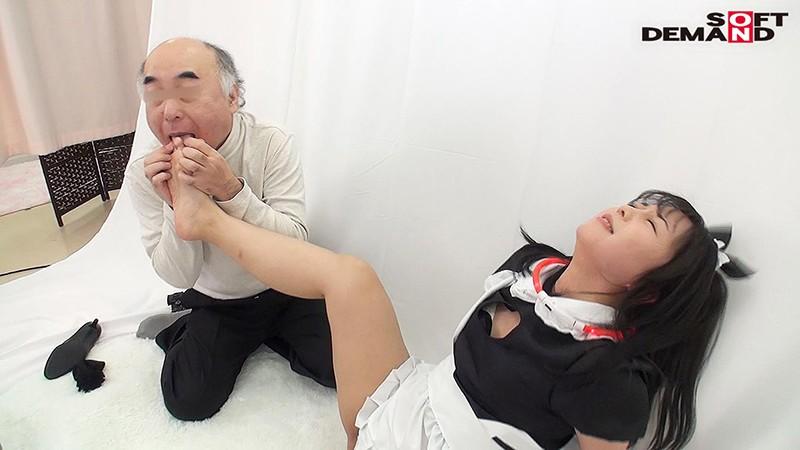 首輪を着けたらアラ不思議!?足!耳!乳首!?3人が入れ替わる度にそれぞれ感じる多重性感帯!ずっと身体がビクビクしちゃう、コスプレ撮影会!! 泉りおん キャプチャー画像 7枚目