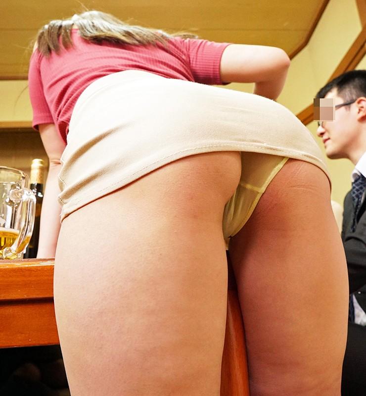 同窓会で再会したクラスメイト蘭ちゃん(26)欲求不満に性欲持て余しパンチラに誘われてこんな僕でもヤレちゃった!廊下や宴会場の隣の部屋でドキドキSEX/蘭々 キャプチャー画像 14枚目