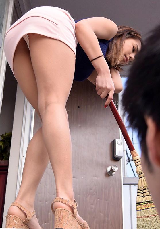 友達の母親にHな性教育受けたました/メイおばさん 松本メイ 画像1