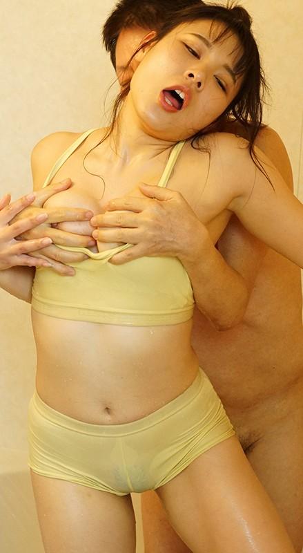夫とセックスレスで巨乳を持て余した人妻は義父をパンチラや胸チラで誘惑!淫乱痴嫁・愛菜さん 永瀬愛菜 画像5