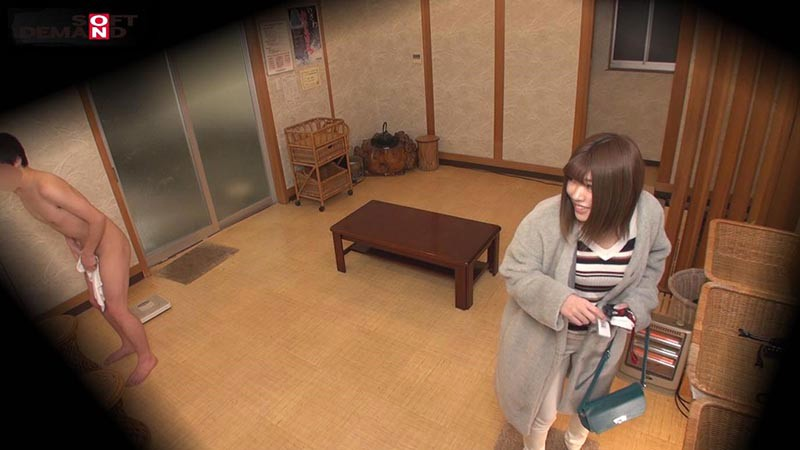 ゆな(22) 石和温泉で見つけた卒業旅行中の美巨乳女子学生のお嬢さん タオル一枚 男湯入ってみませんか? キャプチャー画像 2枚目