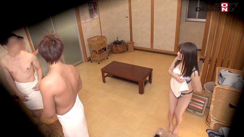 みな(22) 石和温泉で見つけた卒業旅行中の美巨乳女子学生のお嬢さん タオル一枚 男湯入ってみませんか? キャプチャー画像 3枚目