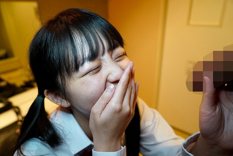 【完全撮りおろし】変態おじさんが秘かに撮り続けた珠玉の手コキ・フェラ映像を一挙公開。ひよこ女子13人24射精400分SPECIAL! の画像4
