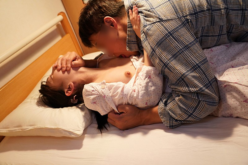 入院したら隣がけなげなひよこ女子。ムラムラが我慢できなくなって小さな体を固定して敏感マ○コの奥(子宮)をガン突きしまくった。|無料エロ画像16