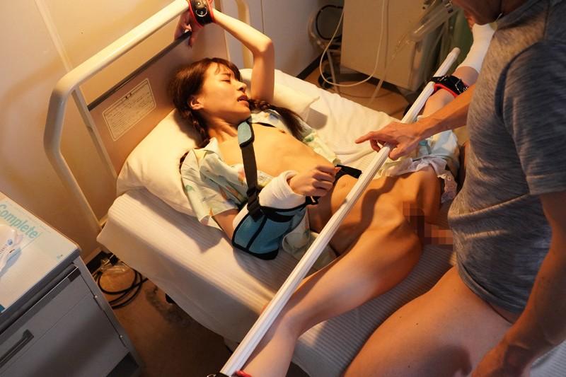 入院したら隣がけなげなひよこ女子。ムラムラが我慢できなくなって小さな体を固定して敏感マ○コの奥(子宮)をガン突きしまくった。2nd ~両足を180度に開いて後ろから前から全員軟体っ子ver~