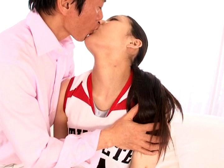 現役バレーボール選手がAVデビュー! 内田真由 画像1