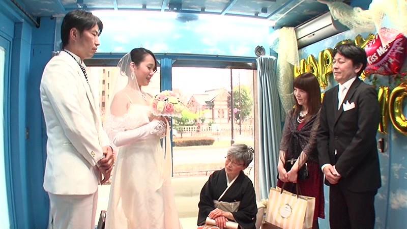 マジックミラー号×ジューンブライド花嫁NTR 結婚式をあげた直後でまだウエディングドレス姿の花嫁を新郎よりも早く寝取って孕ませ中出し 1枚目