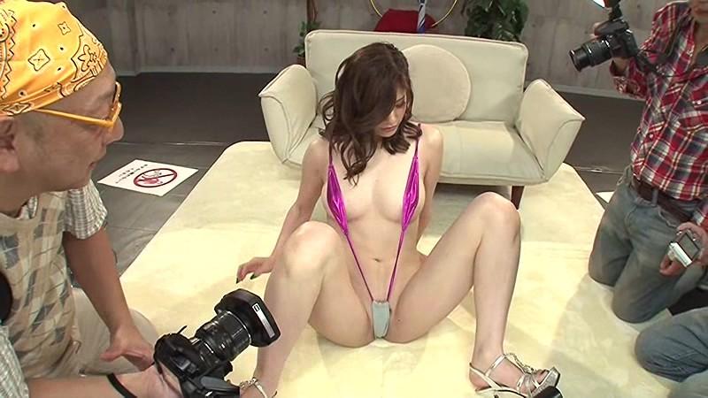 スレンダーなレオタード姿の美女の、騎乗位羞恥コスプレ無料H動画!【美女動画】