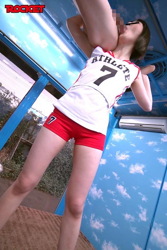 マジックミラー号の天井に頭がついちゃう!3 高身長アスリート女子がチビ男相手に初めてのバックブリーカーフェラ、逆駅弁FUCKチャレンジ 11枚目