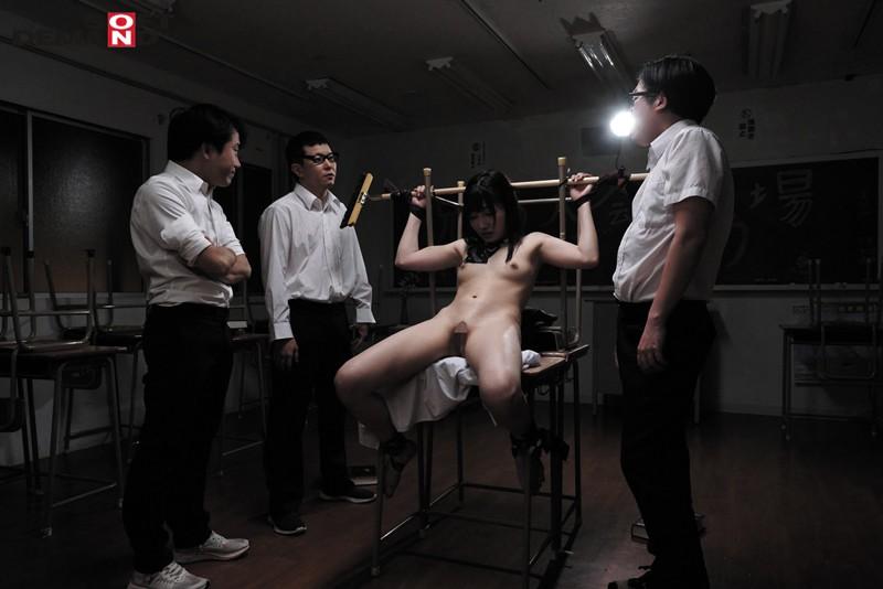 誰にもバレないように、学校で人体固定・監禁調教していた夏休み。 武田エレナ 16枚目