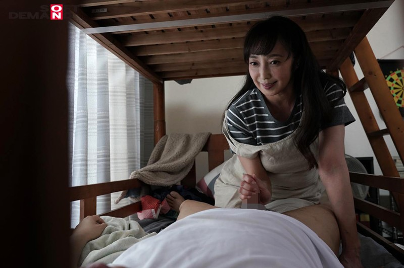 子供部屋おじさん(32)と母の性処理日記